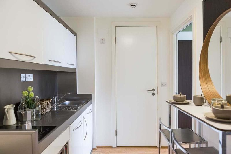 Chapter-Spitalfields-London-2-Bedroom-Apartment-Shared-Kitchen-Unilodgers