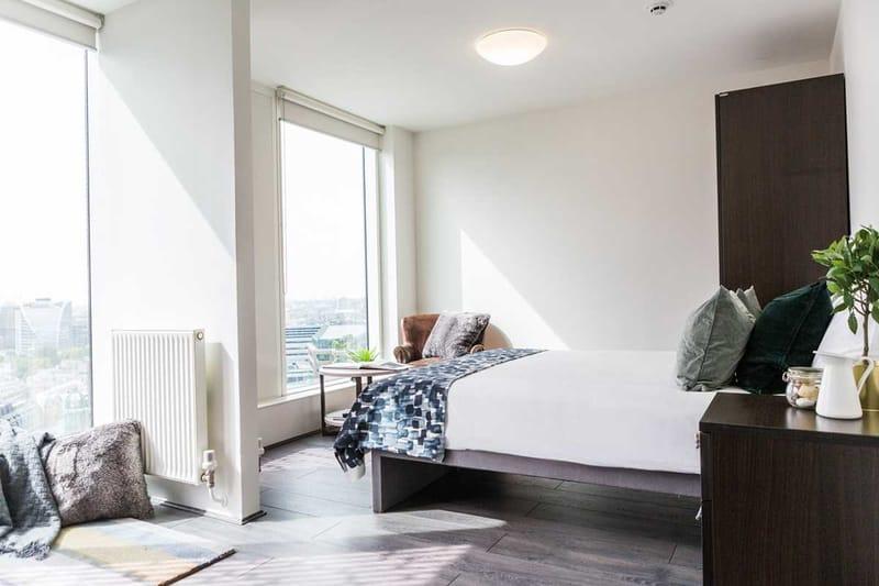 Chapter-Spitalfields-London-Platinum-Studio-Bedroom-02-Unilodgers