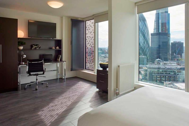 Chapter-Spitalfields-London-Platinum-Studio-Plus-Bedroom-01-Unilodgers
