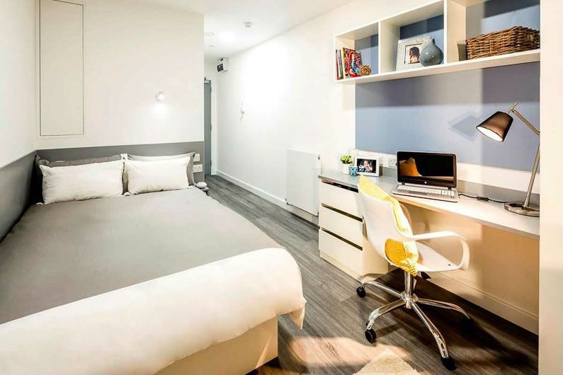 Chapter-White-City-London-Bedroom-Unilodgers