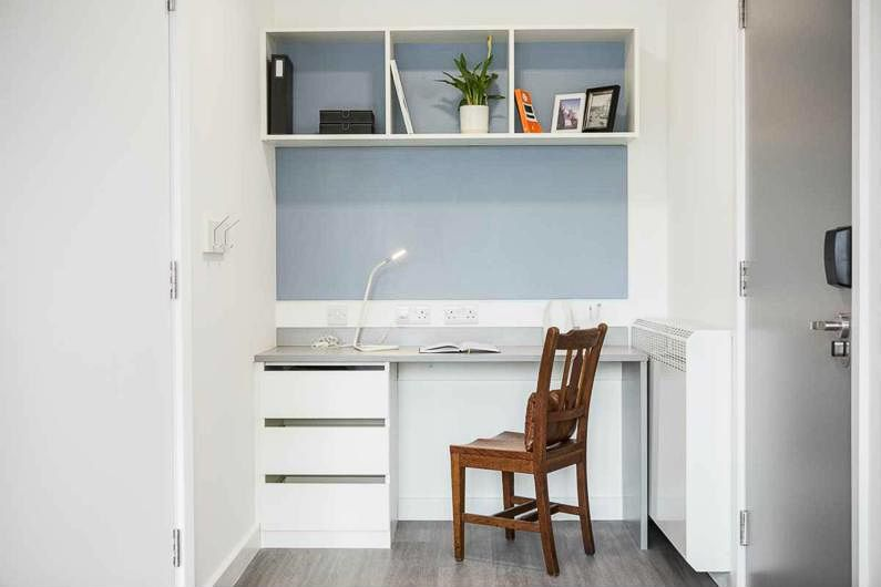 Chapter-White-City-London-Study-Desk-1-Unilodgers