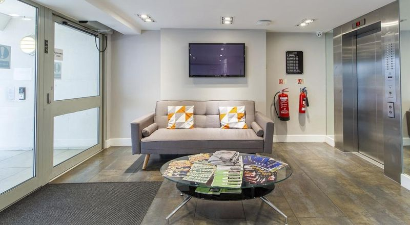 Chelsea-Lightfoot-Hall-London-Shared-Living3-Unilodgers