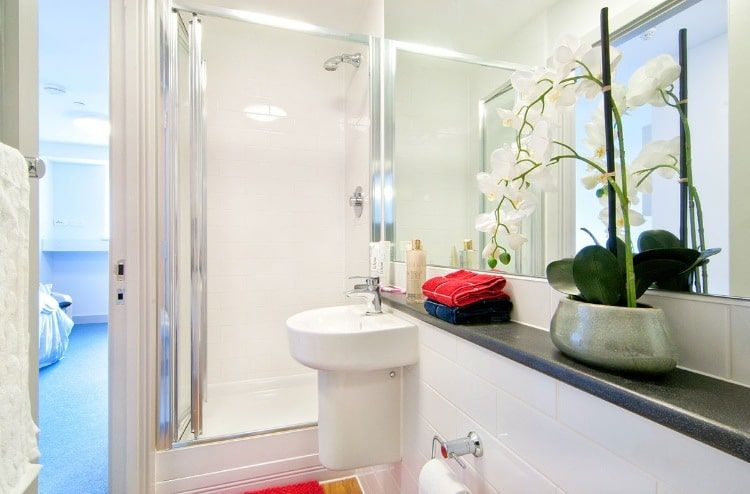 Earlsdon-Street-Portsmouth-En-Suite-Bathroom-Unilodgers
