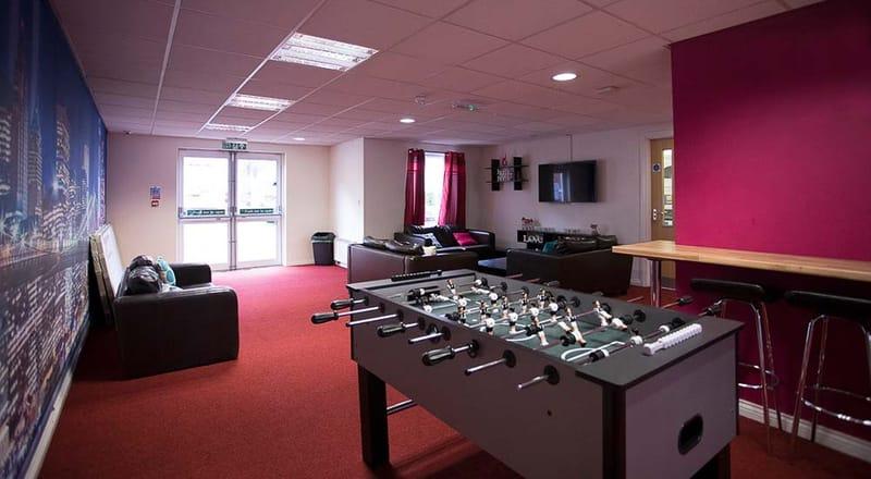 Foundry-Court-Preston-Common-Room-1-Unilodgers