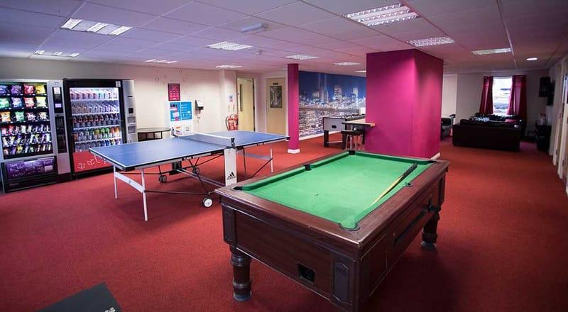 Foundry-Court-Preston-Common-Room-2-Unilodgers