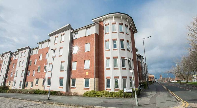 Foundry-Court-Preston-Exterior-1-Unilodgers