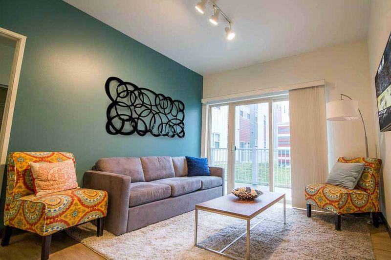 Fuse-West-Lafayette-IN-Living-Room-Unilodgers