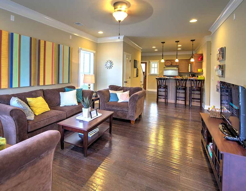 Grayson-Cottages-Columbia-MO-Living-Area-Unilodgers