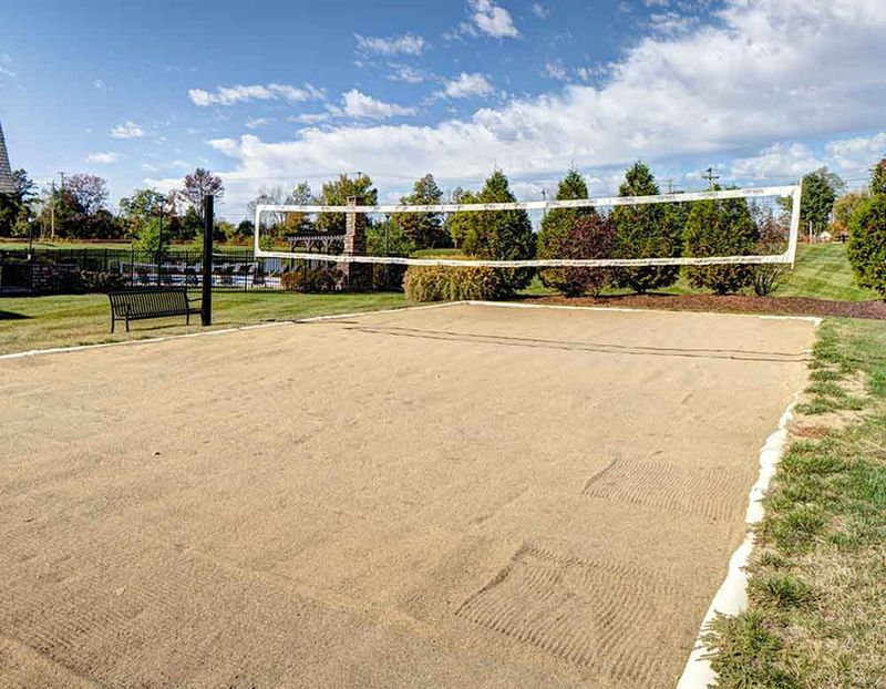 Grayson-Cottages-Columbia-MO-Volleyball-Court-Unilodgers