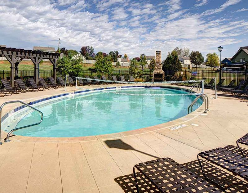 Grayson-Cottages-Columbia-MO-Swimming-Pool-Unilodgers
