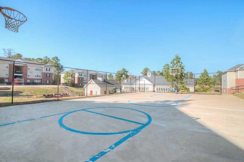 Grove-At-Huntsville-TX-Basketball-Court-Unilodgers