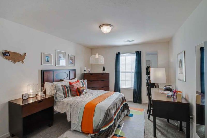 Grove-At-Huntsville-TX-Bedroom-Unilodgers