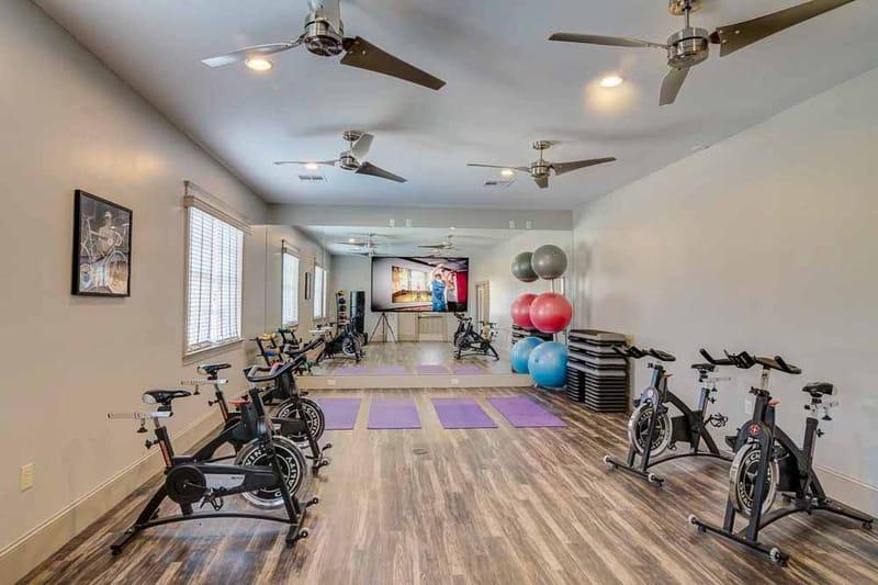 Grove-At-Huntsville-TX-Fitness-Center-Unilodgers