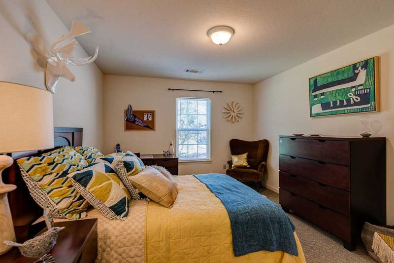 Grove-At-Stephenville-TX-Bedroom-Unilodgers