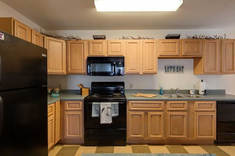 Grove-At-Stephenville-TX-Kitchen-Unilodgers