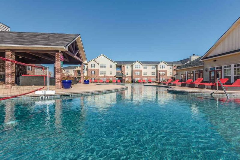 Grove-At-Stephenville-TX-Poolside-Unilodgers