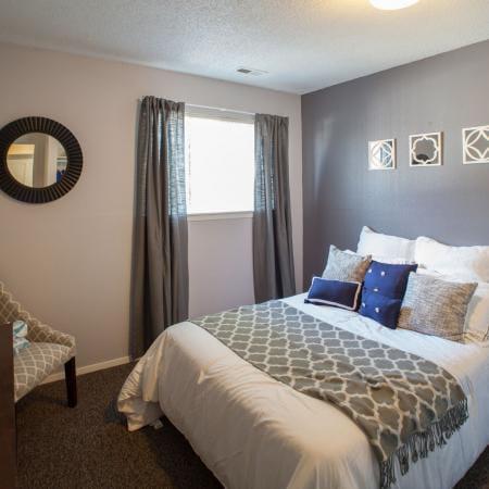 Hawks-Pointe-Lawrence-KS-Bedroom-Unilodgers