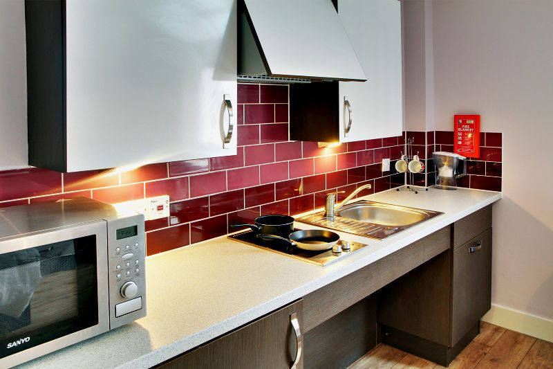 IQ-Hoxton-London-Kitchen-Unilodgers