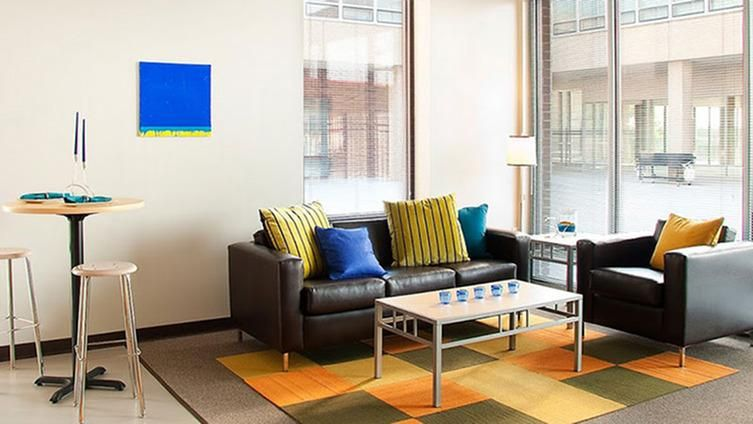Icon-Student-Spaces-Saint-Louis-MO-Living-Area-2-Unilodgers