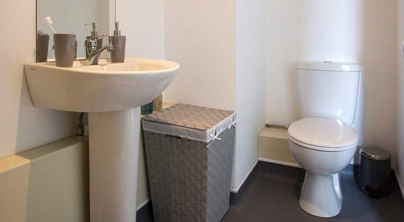 Kelvingrove-House-Glasgow-Bathroom-Unilodgers