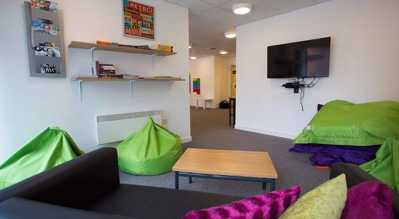 Kelvingrove-House-Glasgow-Common-Room-Unilodgers