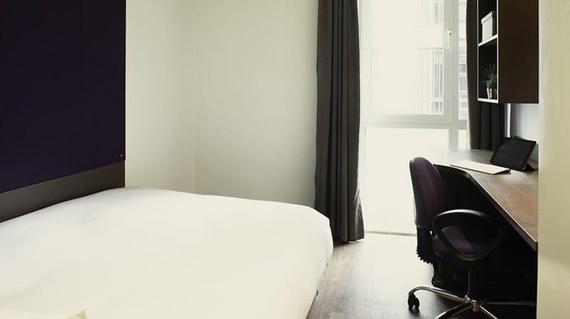iQ-Magenta-House-London-Bedroom-Unilodgers