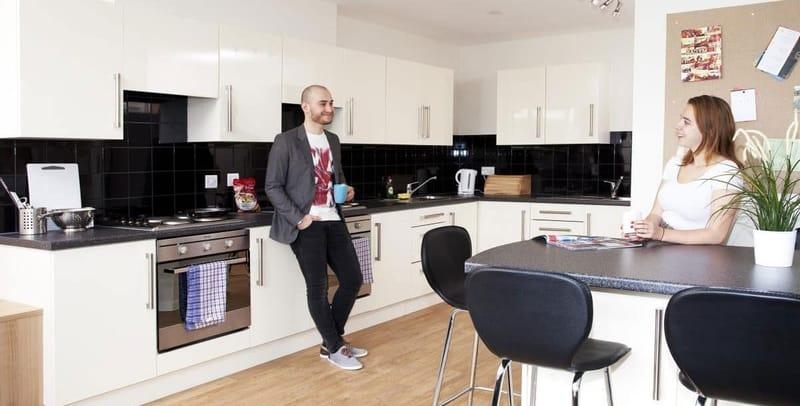 North-Lodge-London-Kitchen-Area-Unilodgers