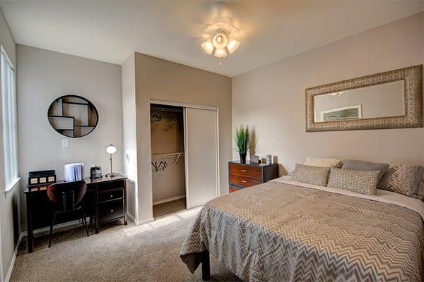 Quad-South-Austin-Tx-Bedroom-Unilodgers