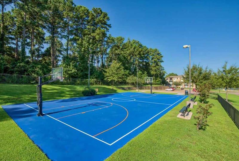 Republic-At-Sam-Houston-Huntsville-TX-Basketball-Court-Unilodgers