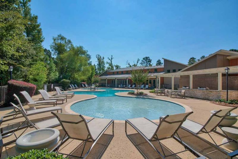 Republic-At-Sam-Houston-Huntsville-TX-Swimming-Pool-Unilodgers
