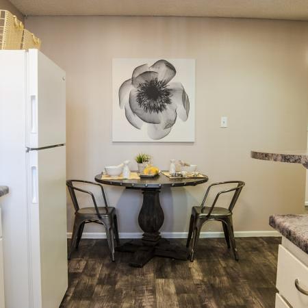 Sakara-At-Tempe-AZ-Kitchen-Dining- Area-Unilodgers