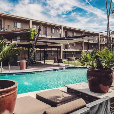 Sakara-At-Tempe-AZ-Swimming-Pool-Unilodgers