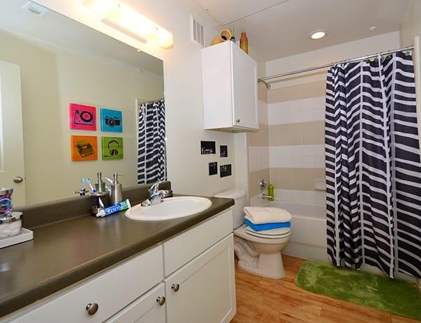 Sanctuary-Lofts-San-Marcos-Bathroom-Unilodgers