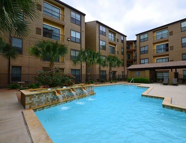 Sanctuary-Lofts-San-Marcos-Poolside3-Unilodgers