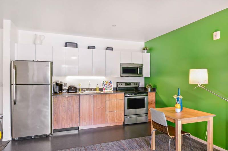 Skybox-&-Courtside-Eugene-OR-Kitchen-Unilodgers