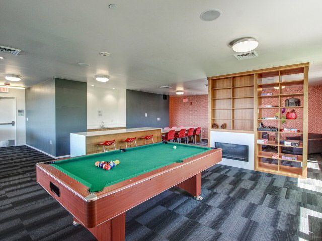 Skybox-&-Courtside-Eugene-OR-Pool-Table-Unilodgers