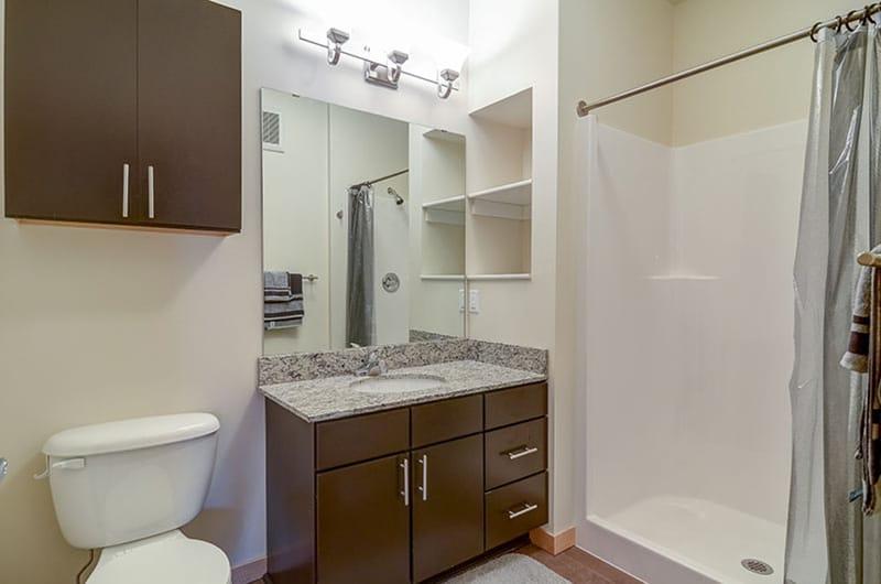 Stadium-Village-Flats-Minneapolis-MN-Bathroom-Unilodgers