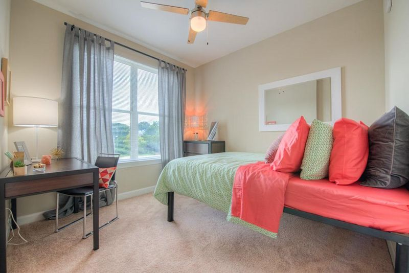 Station-At-Five-Points-Columbia-SC-Bedroom-2-Unilodgers