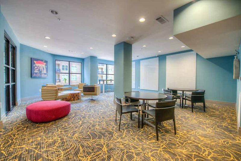 Station-At-Five-Points-Columbia-SC-Common-Room-Unilodgers