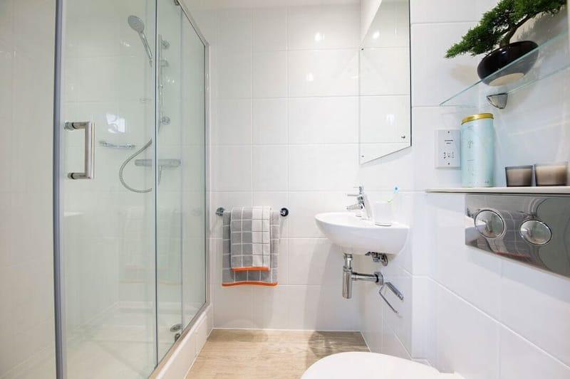 Stoneworks-Brington-Bathroom-Unilodgers