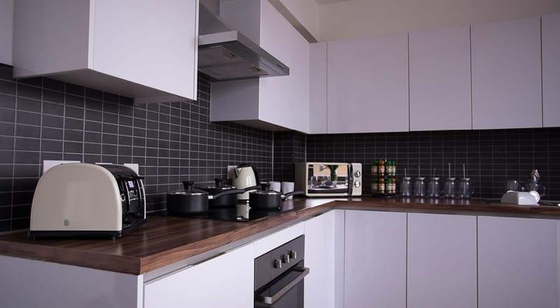 Stratford-Poland-House-London-Kitchen-5-Unilodgers