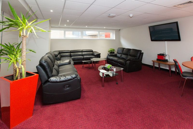 Study-Inn-Bristol-Lounge-Area-Unilodgers (1)