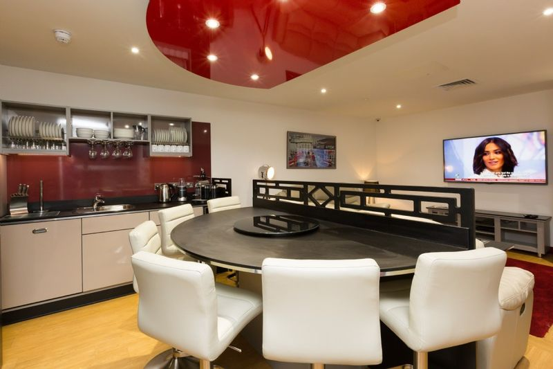 Study-Inn-Bristol-Shared-Kitchen-Area-Unilodgers1