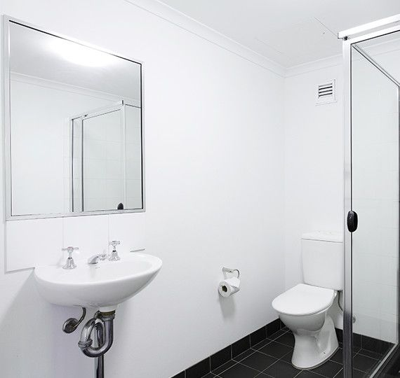 Sydney-University-Village-Sydney-Bathroom-Unilodgers