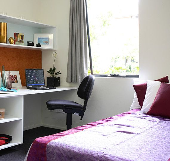 Sydney-University-Village-Sydney-Study-Desk-Unilodgers