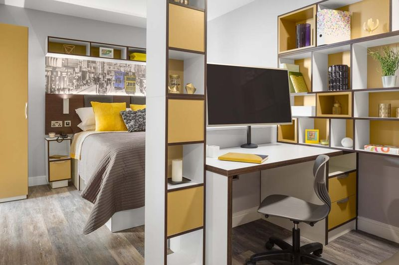 The-Ascent-Liverpool-Bedroom-With-Study-Desk-And-Chair-Unilodgers