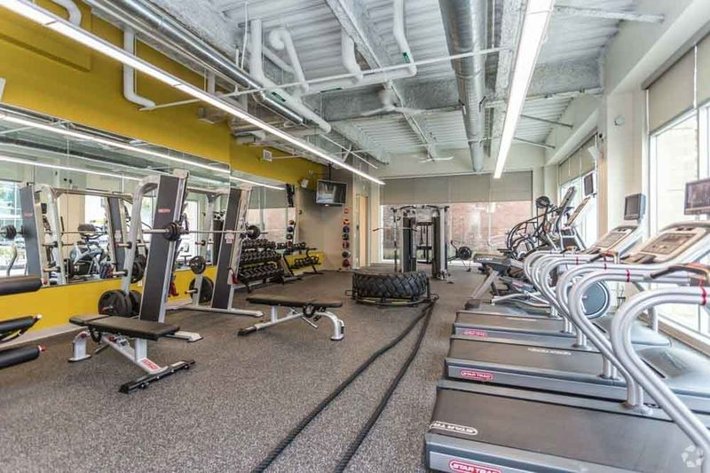 The-Edge-On-Euclid-Cleveland-OH-Gym-Unilodgers