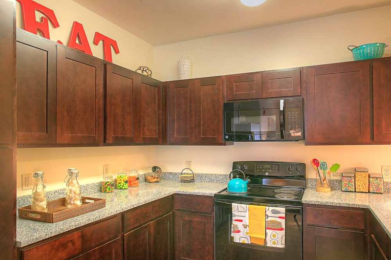 The-Flats-At-West-Village-Charlottesville-VR-Kitchen-Unilodgers