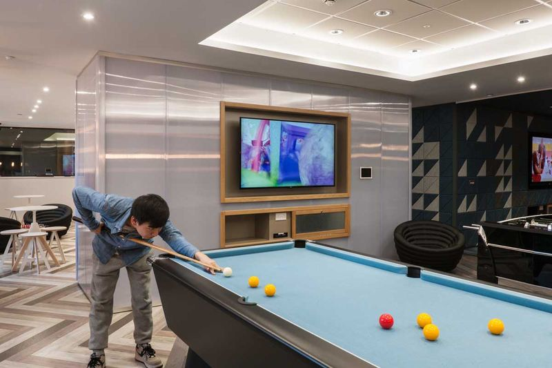 The-Kingfisher-Exeter-Games-Room-Unilodgers