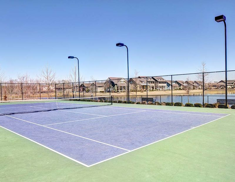The-Lodges-At-777-Baton-Rouge-LA-Tennis-Court-Unilodgers